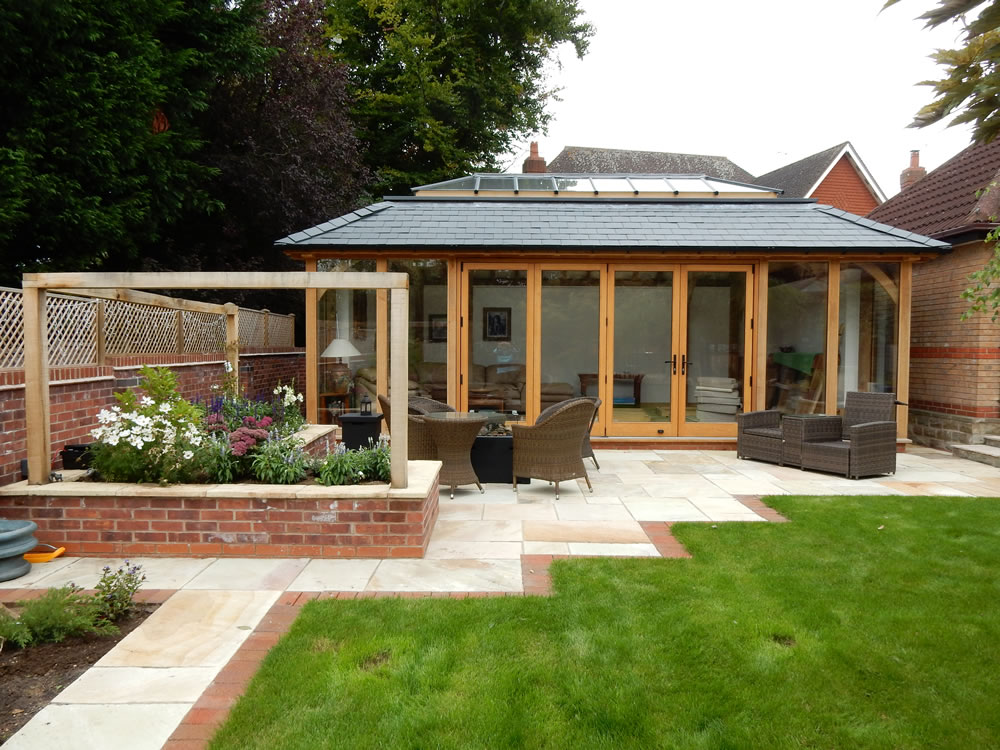 Evening entertaining garden design garden designer for Garden designs uk