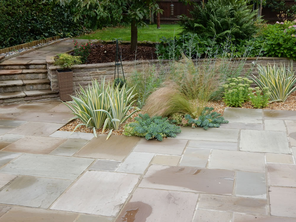 Gravel garden design garden landscaping derby for A garden design