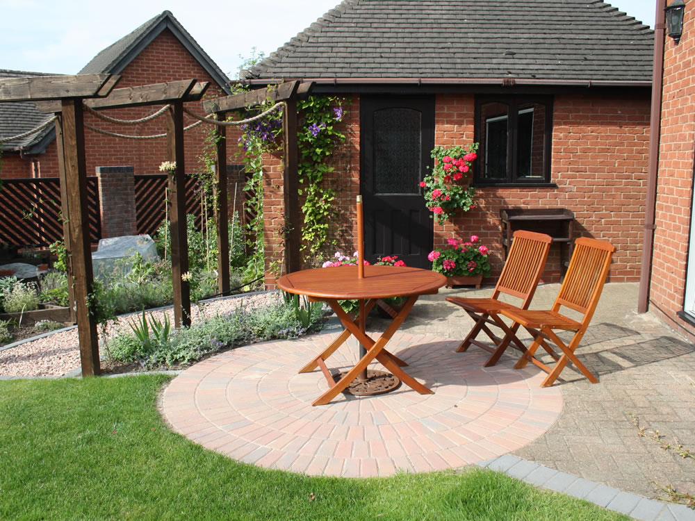 Extended terrace garden designs garden design staffordshire for Terrace garden design